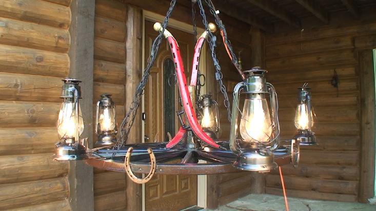 - Antler Wooden Wagon Wheel Chandelier, Lights